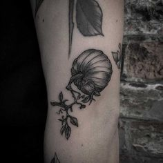 Little pumpkin tattoo inked on the left arm Cage Tattoos, Belly Tattoos, Henna Tattoo Foot, Forearm Tattoos, Pumpkin Tattoo, Autumn Tattoo, Alien Tattoo, Hand Tats, Nordic Tattoo