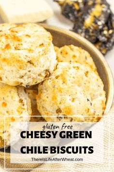 You're gonna LOVE these GLUTEN FREE Cheesy Green Chile Biscuits! Soft, fluffy gluten free biscuits packed with cheese and green chiles. Gluten Free Rolls, Gluten Free Biscuits, Gluten Free Flour, Gluten Free Baking, Wheat Biscuits, Best Gluten Free Desserts, Gluten Free Recipes For Breakfast, Gluten Free Breakfasts, Healthy Breakfasts