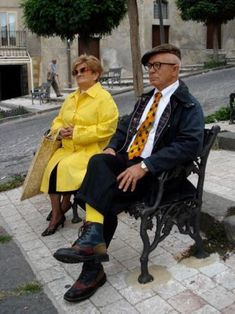 Sicily street fashion - cool older couple.
