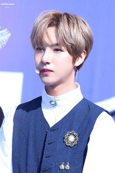 "POPPING DREAM on Twitter: ""171021 경복고 #런쥔 #仁俊 #RENJUN #NCT_DREAM #NCT 네가 생각나 너만 생각나 맨날 똑같아 다시 결론은 너야 너여서 너라서 너니까… "" Dream Guy, Dream Team, Winwin, Taeyong, Jaehyun, Nct 127, Nct Dream We Young, Johnny Lee, Nct Group"