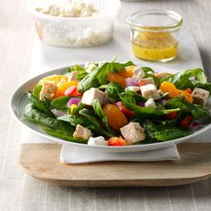 Orange Chicken Spinach Salad Recipe -For a salad with refreshing color and crunch, we toss chicken and spinach with mandarin oranges and red onion, then splash everything with a tangy vinaigrette. Spinach Salad With Chicken, Spinach Salad Recipes, Summer Salad Recipes, Spinach Stuffed Chicken, Healthy Salad Recipes, Summer Salads, Healthy Menu, Chicken Salad, Healthy Eating