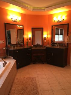 His & hers (rest of master bathroom)