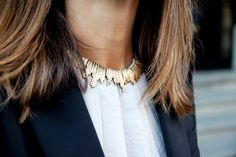 A tip for wearing short necklaces | The Sommi Blog #jewelry