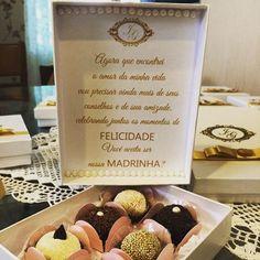 Bom dia ! Com os convites para as madrinhas do casamento de Jisele e Luiz Gustavo, com doces deliciosos da @cioccolato_doceria 😍❤️#lembrançasdecasamento #convitespadrinhos #casamento #casamentomanaus #casamentoboavista