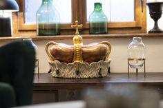 Getreu dem Motto freut sich das Hotel Palais26 darauf Sie ab dem 7. Dezember wieder herzlich willkommen heißen zu dürfen. #stayinstyle #palais26villach #villach #covid19 Das Hotel, Motto, Decorative Bowls, Home Decor, Villach, Winter Vacations, Lounge Furniture, Decoration Home, Room Decor