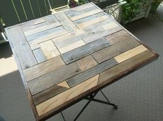 IKEAのテーブルをリメイク!スクラップウッド風テーブル完成♪|LIMIA (リミア)