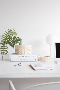 Gewoon JIP.   | Inspiration Decor, Interior, Ikea Hack, Diy Hanging Planter, Home Decor, Kinfolk Table, Desk Decor, Interior Design, Furniture Choice