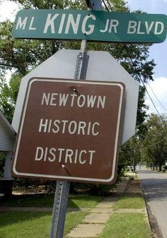 Newtown was once set to be larger than Tuscaloosa, Alabama but failed - http://www.alabamapioneers.com/land-was-purchased-in-1821-to-extend-tuscaloosas-city-limits/