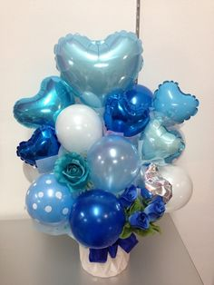 o0480064012500161222 Balloon Basket, Balloon Box, Balloon Display, Balloon Gift, Balloon Bouquet, Balloon Table Decorations, Balloon Arrangements, Balloon Centerpieces, Balloons And More