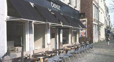 Beez Achter het vleeshuis is een eigentijdse cocktailbar en café, midden in de…