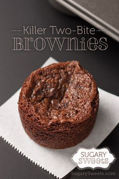 Killer Two Bite Brownies - Sugary Sweets mini brownies) 2 Bite Brownies, Mini Brownies, Cookie Brownie Bars, Mini Brownie Bites, Mini Desserts, No Bake Desserts, Delicious Desserts, Yummy Food, Brownie Recipes