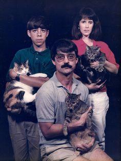 EPIC GALERIE : 29 portraits d'hommes avec leurs chats qui foutent un gros malaise