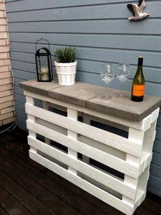 Build garden bar yourself- Garten-Bar selber bauen build bar from europallets for the garden - Diy House Projects, Diy Pallet Projects, Pallet Ideas, Pallet Crafts, Wood Projects, Wood Ideas, Craft Projects, Bar En Palette, Palette Diy