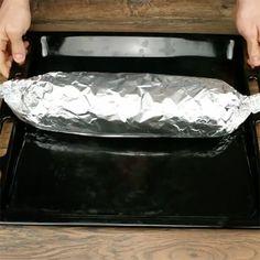 Læg kødfars fladt ud på en plade med ost ovenpå - et blik på slutresultatet Lchf, Keto, Ground Beef, Food And Drink, Cooking Recipes, Snacks, Dinner, Madness, Dining