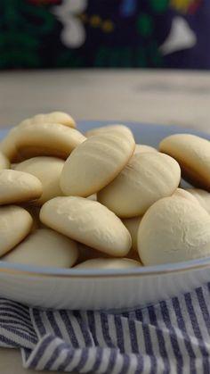 Receita super fácil de sequilhos, esses deliciosos biscoitinhos de maizena que derretem na boca.