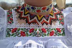 TUDOR PHOTO BLOG Estilo Popular, Folk Fashion, Tudor, Smocking, Christmas Sweaters, Traditional, Costumes, Blanket, Embroidery