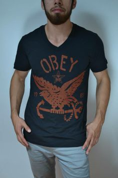 Camisa negra marca OBEY