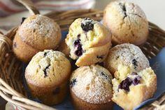 A recipe for moist and sweet blueberry and lemon friands. Mini Desserts, No Bake Desserts, Individual Desserts, Almond Recipes, Baking Recipes, Baking Ideas, Cake Recipes, Friands Recipe, Yummy Treats