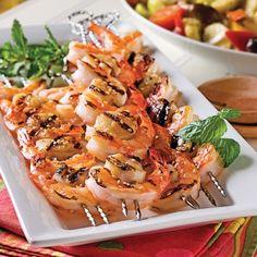 En ne les cuisant que de 2 à 3 minutes de chaque côté, on permet aux crevettes et aux pétoncles de conserver leur délicieux jus! Seafood Recipes, Appetizer Recipes, New Recipes, Appetizers, Bbq Party, Indian Dishes, Grits, Fish And Seafood, Thermomix