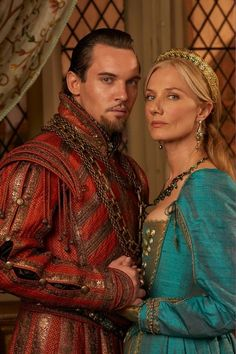 Jonathan Rhys Meyers as England's most notorious king, Henry VIII and Joely Richardson as Catherine Parr, his sixth and last wife in the Tudors. Dinastia Tudor, Los Tudor, Tudor Style, Jonathan Rhys Meyers, Tudor Series, Enrique Viii, The Tudors Tv Show, Mode Renaissance, Tudor Costumes