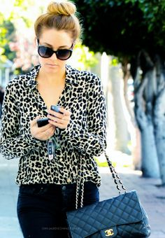 Love the leopard print w/the sunglasses and Chanel bag!