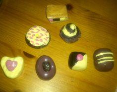 figuritas decoden (bombones, rosquilla, helado)