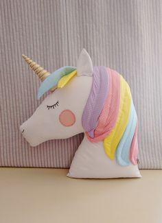 New sewing baby room cushions ideas - funnyfarm Unicorn Cushion, Unicorn Pillow, Sewing For Kids, Diy For Kids, Crafts For Kids, Kids Pillows, Throw Pillows, Felt Crafts, Diy And Crafts