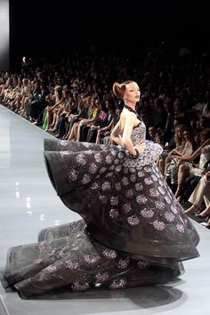 Dior haute couture Don't know where I would wear this but wow it's so pretty