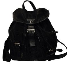 Pre-owned Black Nylon Prada Backpack (4,690 CAD) ❤ liked on Polyvore featuring bags, backpacks, backpack, accessories, black, nylon bag, black backpack, black knapsack, black nylon bag and knapsack bags