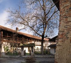 Fabio Carria architect   http://cascinadeltemposospeso.com