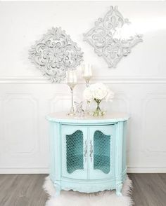 How to Stencil Concrete Floors with Fusion Mineral Paint - this tutorial is a DIY Stenciled Concrete Floor post that teaches you how to stencil a concrete floor. Staging Furniture, Paint Furniture, Decoupage Furniture, Furniture Ideas, Furniture Design, Painted Outdoor Furniture, Refurbished Furniture, Painting Melamine, Pink Paint Colors