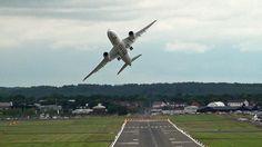 O que acontece quando um ex-piloto de caça assume um Boeing 787