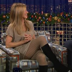 Tips for Buying Tights, Pantyhose and Other Legwear Online Jennifer Aniston Style, Jennifer Aniston Pictures, Pantyhose Fashion, Pantyhose Legs, Nylons, Jennifer Anistan, Rachel Green Style, World Most Beautiful Woman, Actrices Hollywood