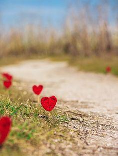 Heart Yarn Bomb to line a street or walkway, free crochet pattern, #stvalentinesday
