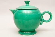 Google Image Result for http://www.vintageamericanpottery.com/fiestaware/1-Vintage-Fiesta-Teapot-Original-Light-Green-Fiestaware-For-Sale-02.jpg