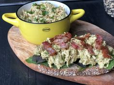 recept avocado kip salade Low Carb Keto, Low Carb Recipes, Healthy Recipes, Happy Foods, Healthy Pastas, No Cook Meals, Potato Salad, Food Porn, Good Food