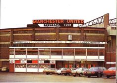 Old Trafford some years ago. When football wasnt about the money. Soccer Stadium, Football Stadiums, Football Fans, Stadium Tour, Old Trafford, Messi, Bobby Charlton, Manchester United Football, British Football