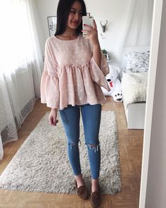 Pin by Hristina Todorova on fashion in 2019 Stylish Summer Outfits, Cute Outfits For School, Basic Outfits, College Outfits, Mode Outfits, Outfits For Teens, Spring Outfits, Casual Outfits, Look Fashion