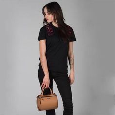 Mini Essenza Capsule by Damai. Discover the new collection of customizable, sophisticated mini bags, entirely Made in Italy! Find out more on http://ob-fashion.com/mini-essenza-capsule/?lang=en  #emergingdesigner #emergingtalents #fashion #trends #ootd #wiwt  #اتجاهات #тенденции #トレンド #ファッション #мода #موضة #women  #ювелирные #مجوهرات #ジュエリ #madeinitaly #womenswear #obfashion #damai