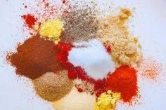 Make and share this Kansas City Dry Rub recipe from Genius Kitchen. Homemade Spice Blends, Homemade Spices, Homemade Seasonings, Spice Mixes, Kansas City Dry Rub Recipe, Dry Rub Recipes, Fish And Chicken, Chicken Tacos, Curry