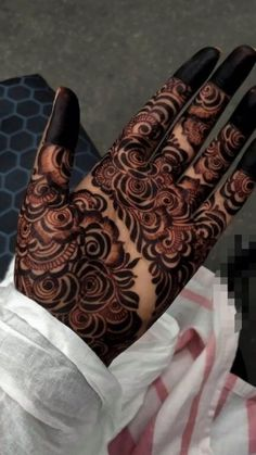 Floral Henna Designs, Latest Henna Designs, Henna Tattoo Designs Simple, Back Hand Mehndi Designs, Full Hand Mehndi Designs, Mehndi Designs Book, Mehndi Designs 2018, Modern Mehndi Designs, Mehndi Designs For Girls