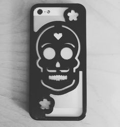 I felt inspired today! Dia de los Muertos iPhone case. #halloween #diadelosmuertos #october #3dprinting #design by danisald2