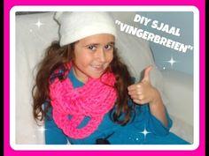 Finger knitting 1 scarf in half an hour !!! Vingerbreien brei een sjaal in een half uur ! https://www.youtube.com/watch?v=bqxZ0GFr_9s