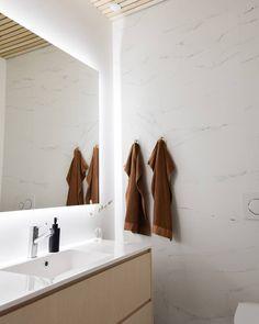 Ferm Living pyyhekoukut. Kalusteet Charmialta @kalustetukkujyvaskyla. Bathroom Lighting, Mirror, Furniture, Home Decor, Bathroom Light Fittings, Bathroom Vanity Lighting, Decoration Home, Room Decor, Mirrors