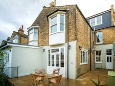 Complete back-to-brick overhaul of a terraced 3-bedroom house in Leytonstone, including a loft conversion, which added a new master bedroom with an en-suite. Dated property refreshed to suit its new owners, a young family.