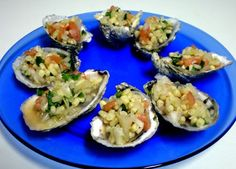 Learn how to eat oysters with The Choptank Oyster Company's guide on the proper way to shuck our Choptank Sweets oysters. Seafood Ceviche, Baked Potato, Sushi, Potatoes, Sweets, Baking, Ethnic Recipes, Oysters, Gummi Candy