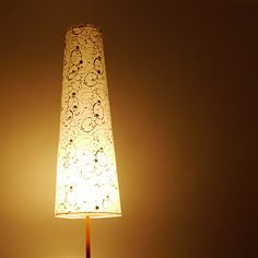 Gerollter Lampenschirm mit Musterwalze 322 HWW-we / patternd rolled lamp shade