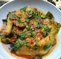 Resep Ayam Woku Asli Masakan Manado Asian Recipes, Healthy Recipes, Malay Food, Indonesian Cuisine, Malaysian Food, Ppr, Manado, Menu, Food Journal