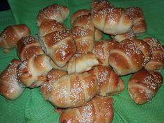Η μαγειρική είναι έμπνευση. πάθος.. δημιουργία.. απόλαυση Hot Dog Buns, Hot Dogs, Pretzel Bites, Bagel, Bread, Food, Party, Brot, Essen