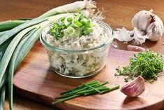 Cream cheese dip with spring onions - Fashion Kitchen - Cream cheese dip with spring onions Potato Juice, Potato Salad, Potato For Skin, Benefits Of Potatoes, Cream Cheese Dips, Party Snacks, Different Recipes, Paleo Diet, Pesto